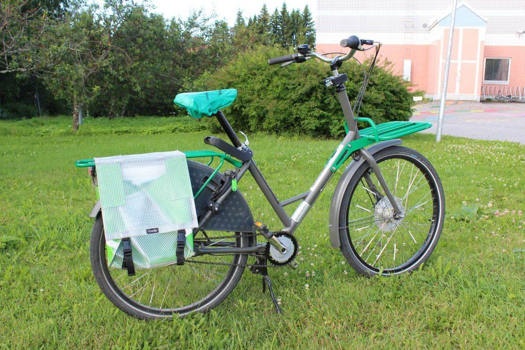 Harmaa Workcycles GR8 -merkkinen taakkapyörä.